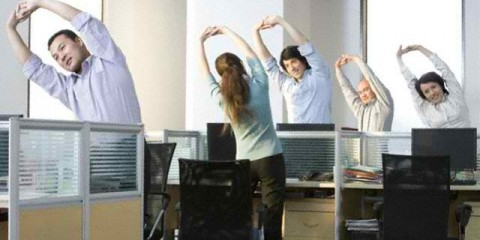 Lose Weight While You Work - 5 Little Exercises You Can Do While at the Office