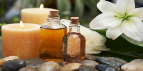 Oil Me Up: A Guide to 6 Healthy Oils for the Skin