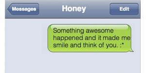 """""""I Had a Great Time"""" and 5 Other Texts You Should Regularly Send Your Significant Other"""