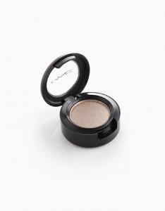 Try: MAC Lustre Eye Shadow, P1,000, BeautyMNL