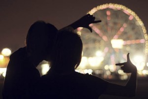 5 Low-Cost, Low-Effort Holiday Date Ideas