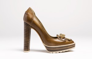 Stacked heel pump, Bally