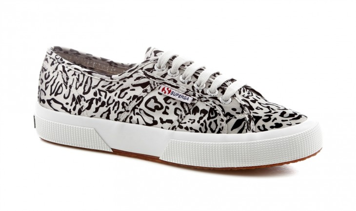 TRY: Superga 2750 in animal printed satin features spotted-print uppers in satin anda vulcanized natural rubber outsole.