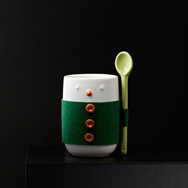 Yuletide Sleeve and Spoon Mug, P495