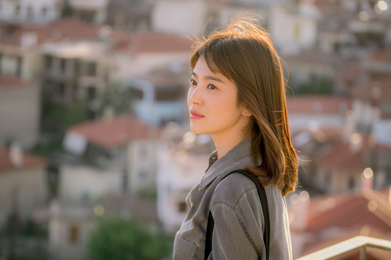 Hye Kyo for Descendants of the Sun | Photo from yoo-sijin.tumblr.com