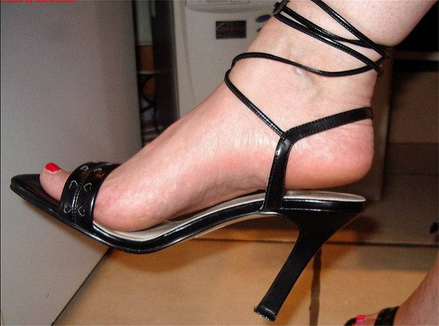 Open Toed Strap-up Heels
