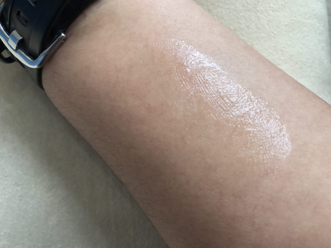 Swatches of the Jericho Premium Eye and Neck Gel