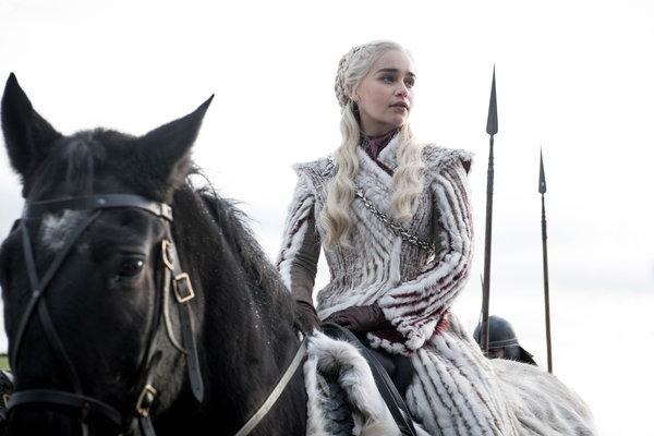 """Lessons You Can Learn from the Women of """"Game of Thrones"""